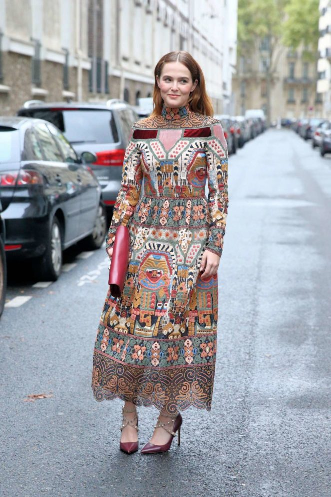 Zoey Deutch - Valentino 2017 Fashion show in Paris