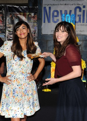 Zooey Deschanel and Hannah Simone - FOX's 'New Girl' 100th Episode Cake Cutting in Culver City