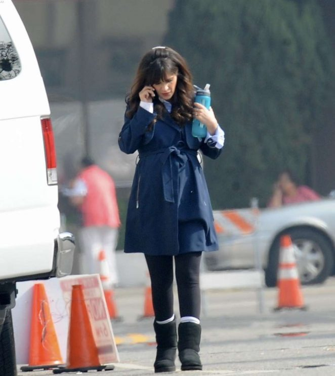 Zooey Deschanel - Filming 'New Girl' set in LA