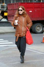 Zosia Mamet - Arrives on the Set in New York City