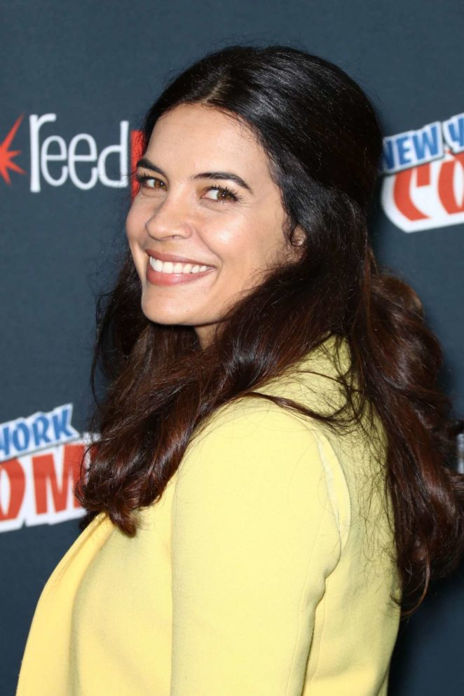 Zuleikha Robinson – 'The Exorcist' Panel at 2017 New York Comic Con