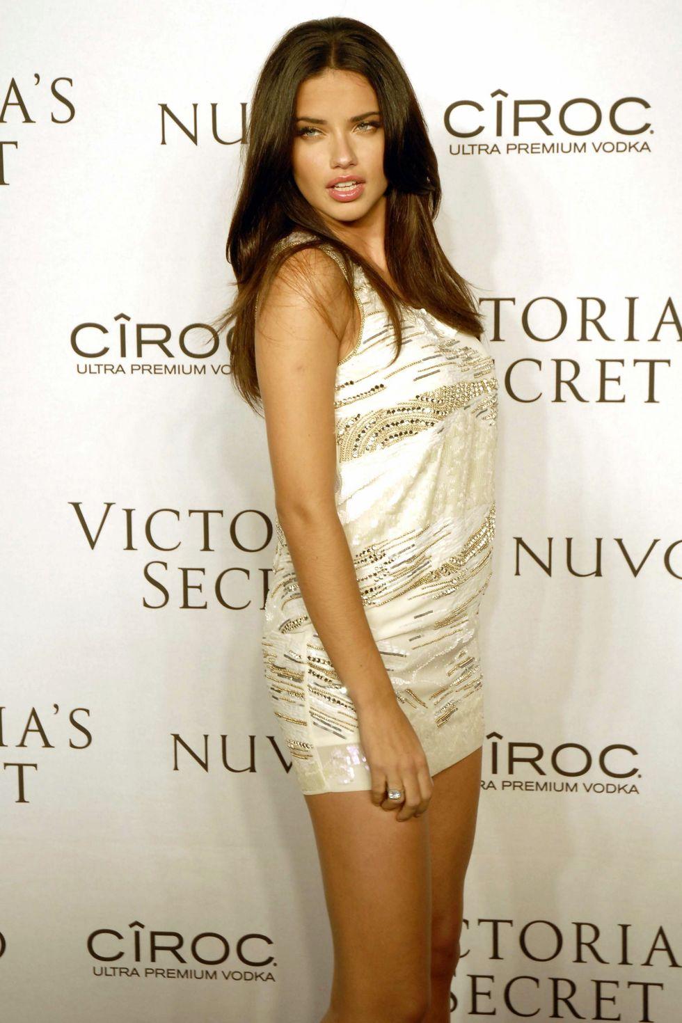 adriana-lima-2009-victorias-secret-what-is-sexy-list-celebration-01