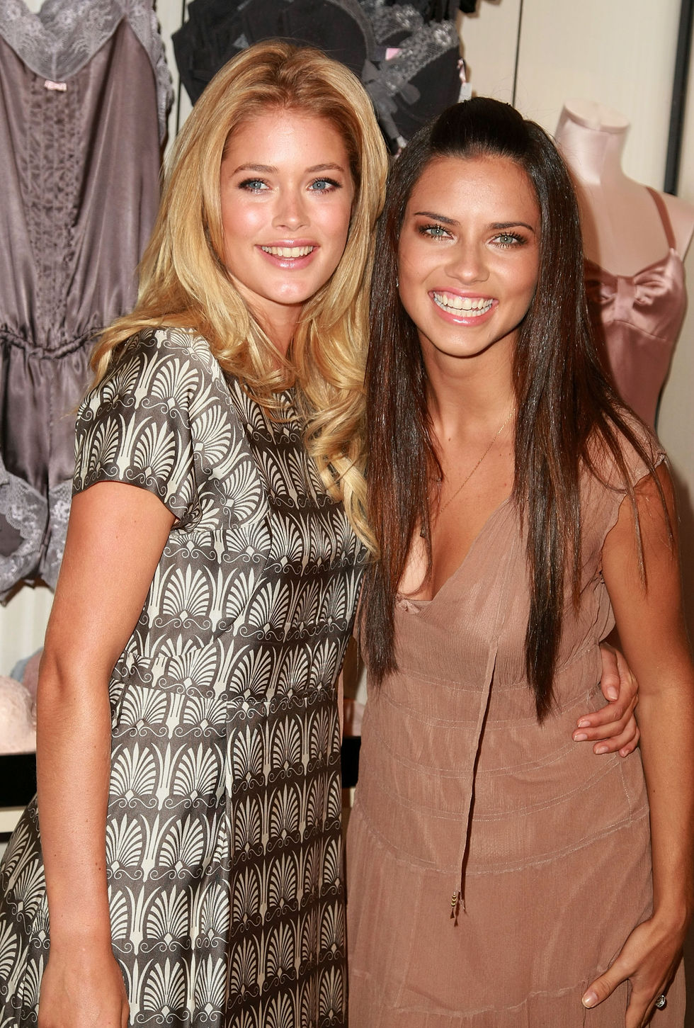 adriana-lima-and-doutzen-kroes-supermodel-obsessions-launch-at-victorias-secret-in-new-york-01