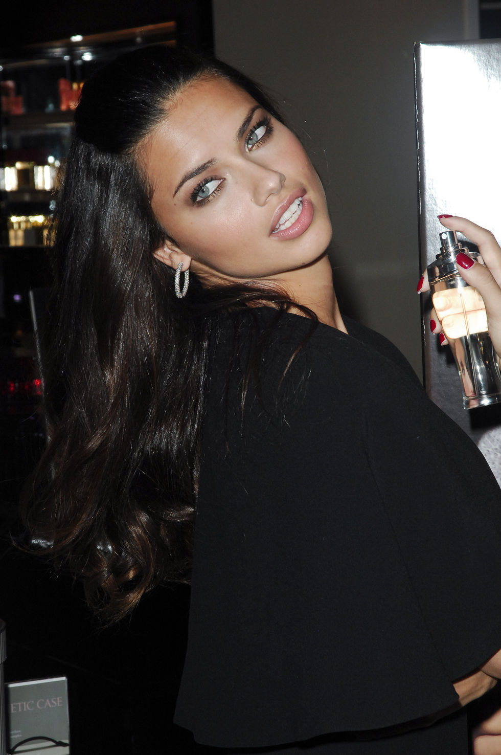 adriana-lima-dream-angels-wish-fragance-launch-in-new-york-city-01