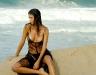 adriana-lima-pirelli-2005-calendar-photoshoot-uhq-01