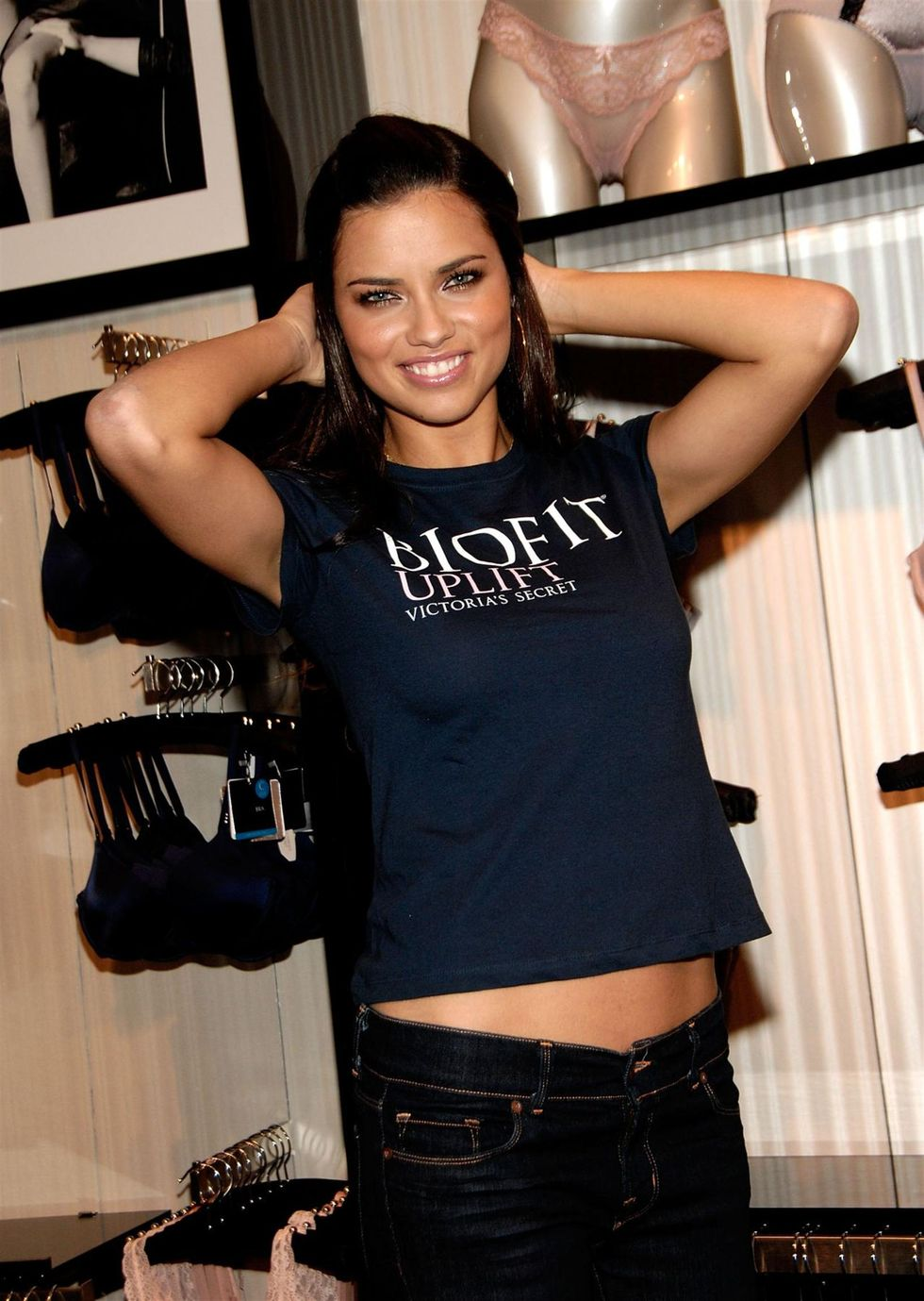 adriana-lima-unveils-biofit-uplift-collection-at-victorias-secret-in-new-york-01