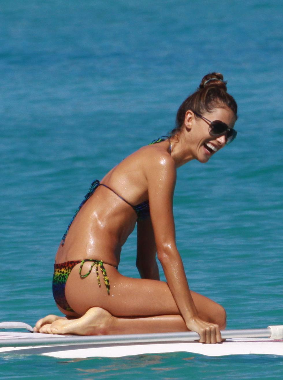 alessandra-ambrosio-bikini-candids-in-st-barth-01