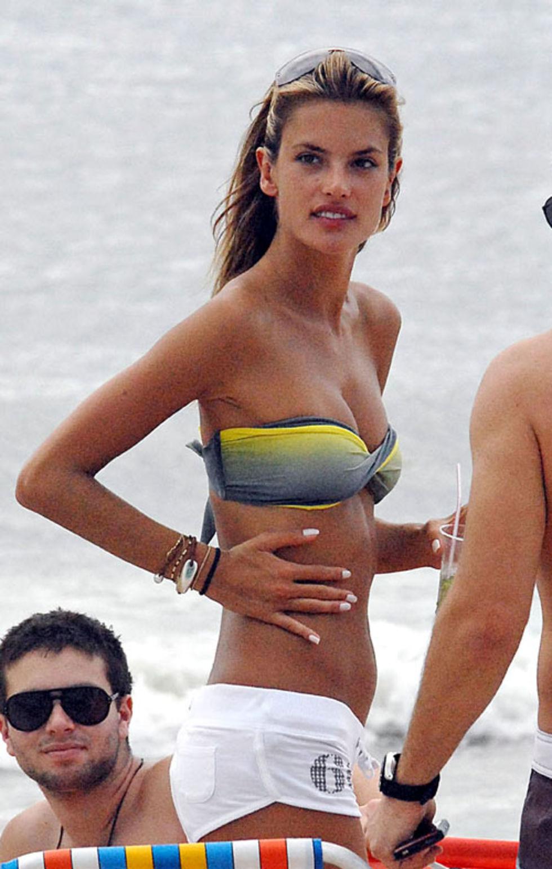 alessandra-ambrosio-in-bikini-at-jurere-beach-in-brazil-mq-01