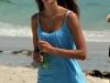 alessandra-ambrosio-photoshot-candids-on-the-beach-in-miami-08