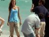 alessandra-ambrosio-photoshot-candids-on-the-beach-in-miami-09