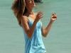 alessandra-ambrosio-photoshot-candids-on-the-beach-in-miami-16