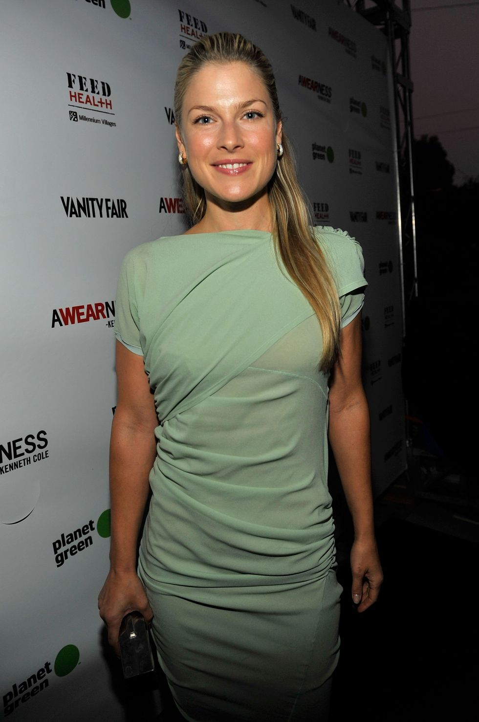 ali-larter-kenneth-cole-awearness-feed-projects-event-in-santa-monic-01