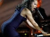 alicia-keys-and-kylie-minogue-performs-at-the-nobel-peace-prize-concert-02