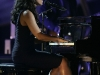 alicia-keys-and-kylie-minogue-performs-at-the-nobel-peace-prize-concert-09