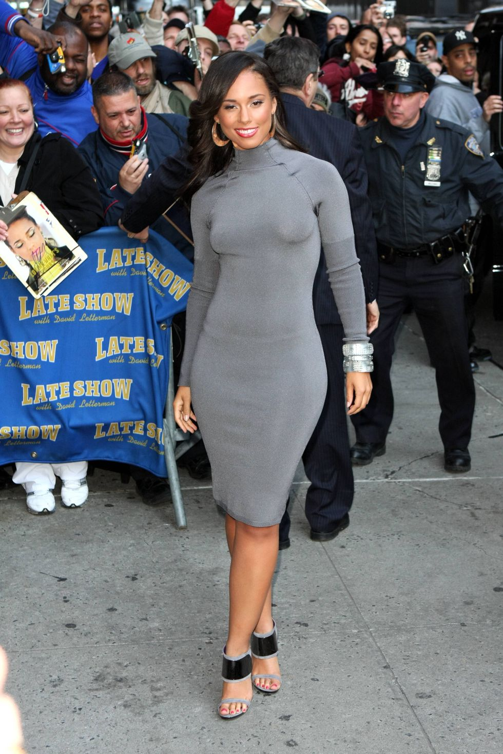 alicia-keys-at-the-late-show-with-david-letterman-01