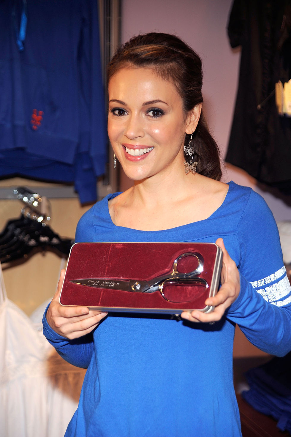 alyssa-milano-touch-boutique-grand-opening-01