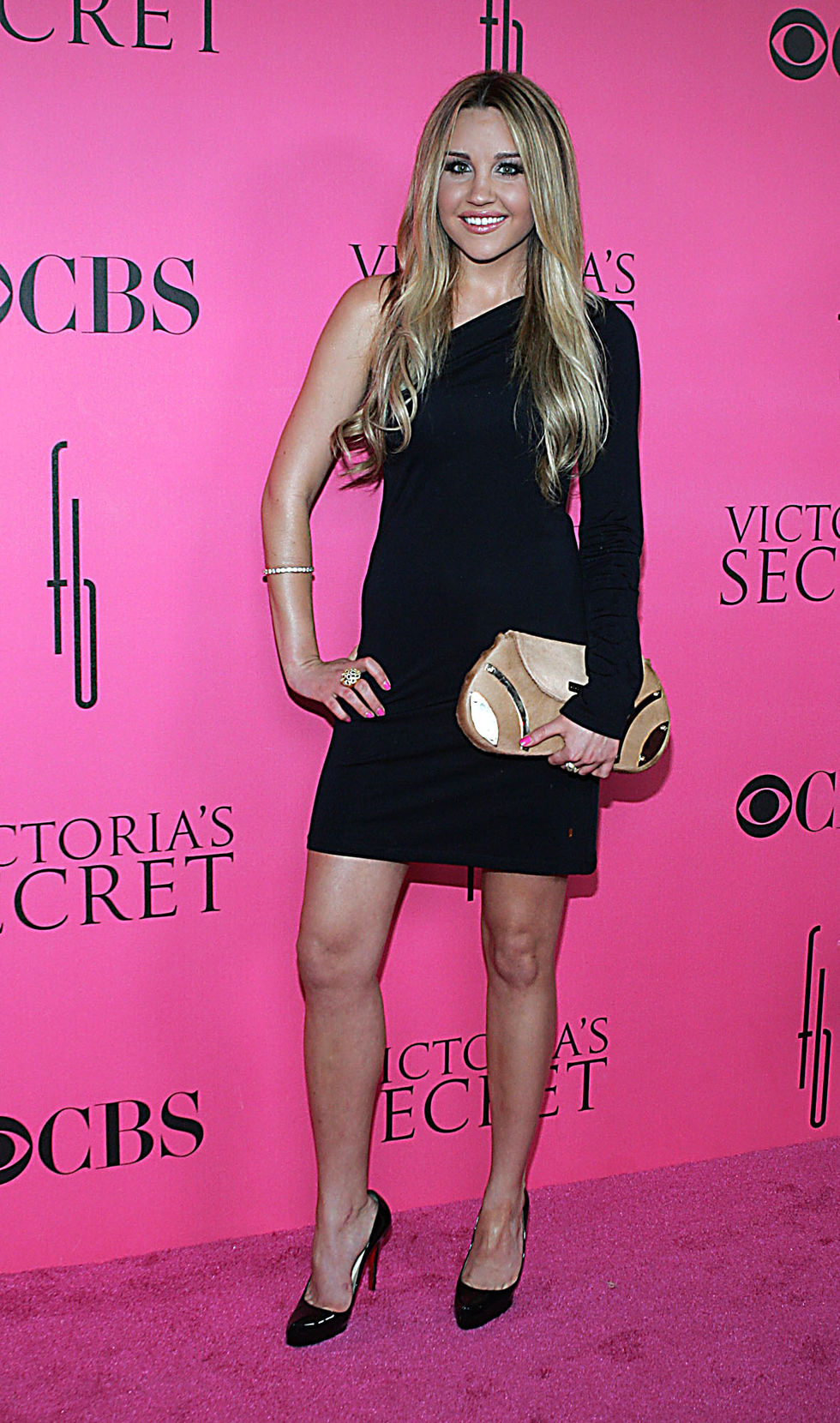 amanda-bynes-2008-victorias-secret-fashion-show-01