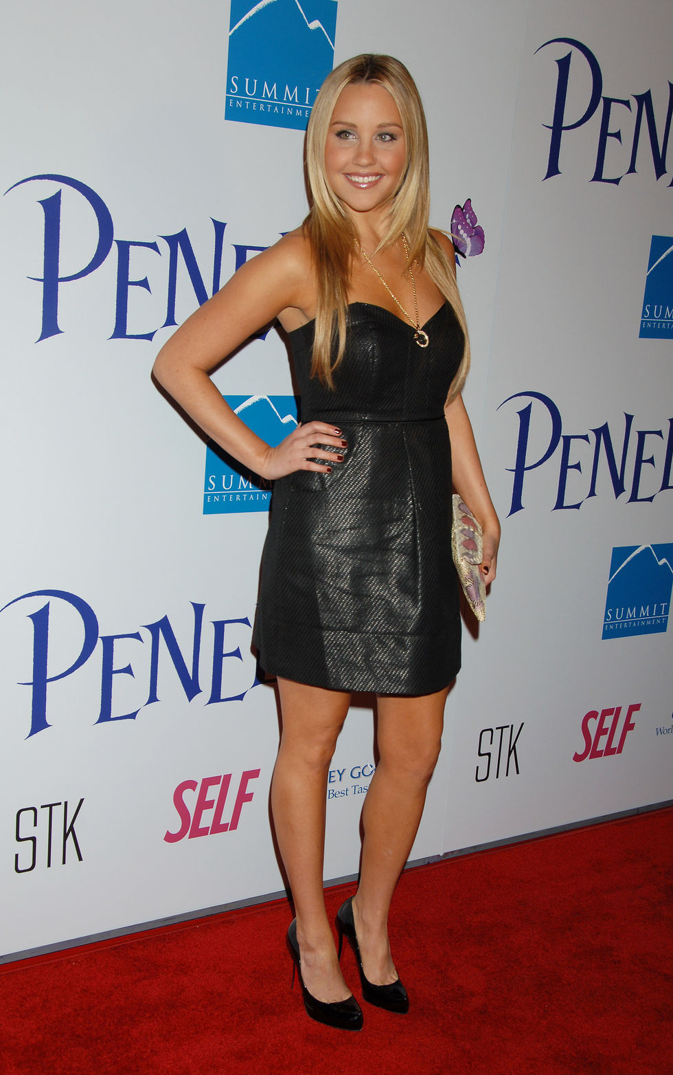 amanda-bynes-and-christina-ricci-penelope-premiere-in-los-angeles-01
