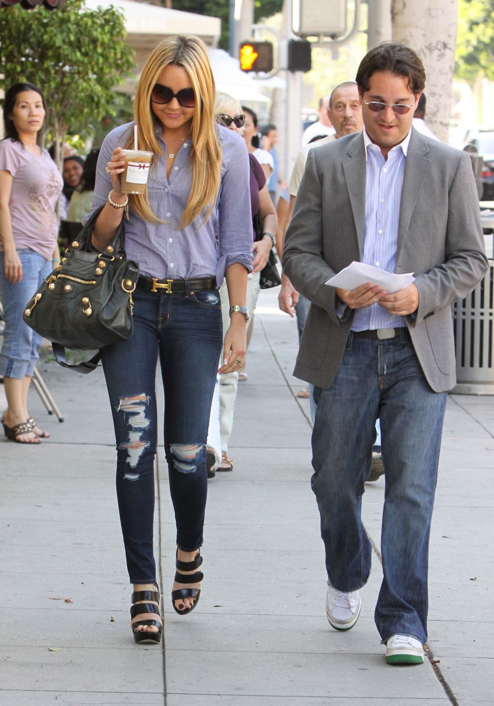 amanda-bynes-candids-in-beverly-hills-01