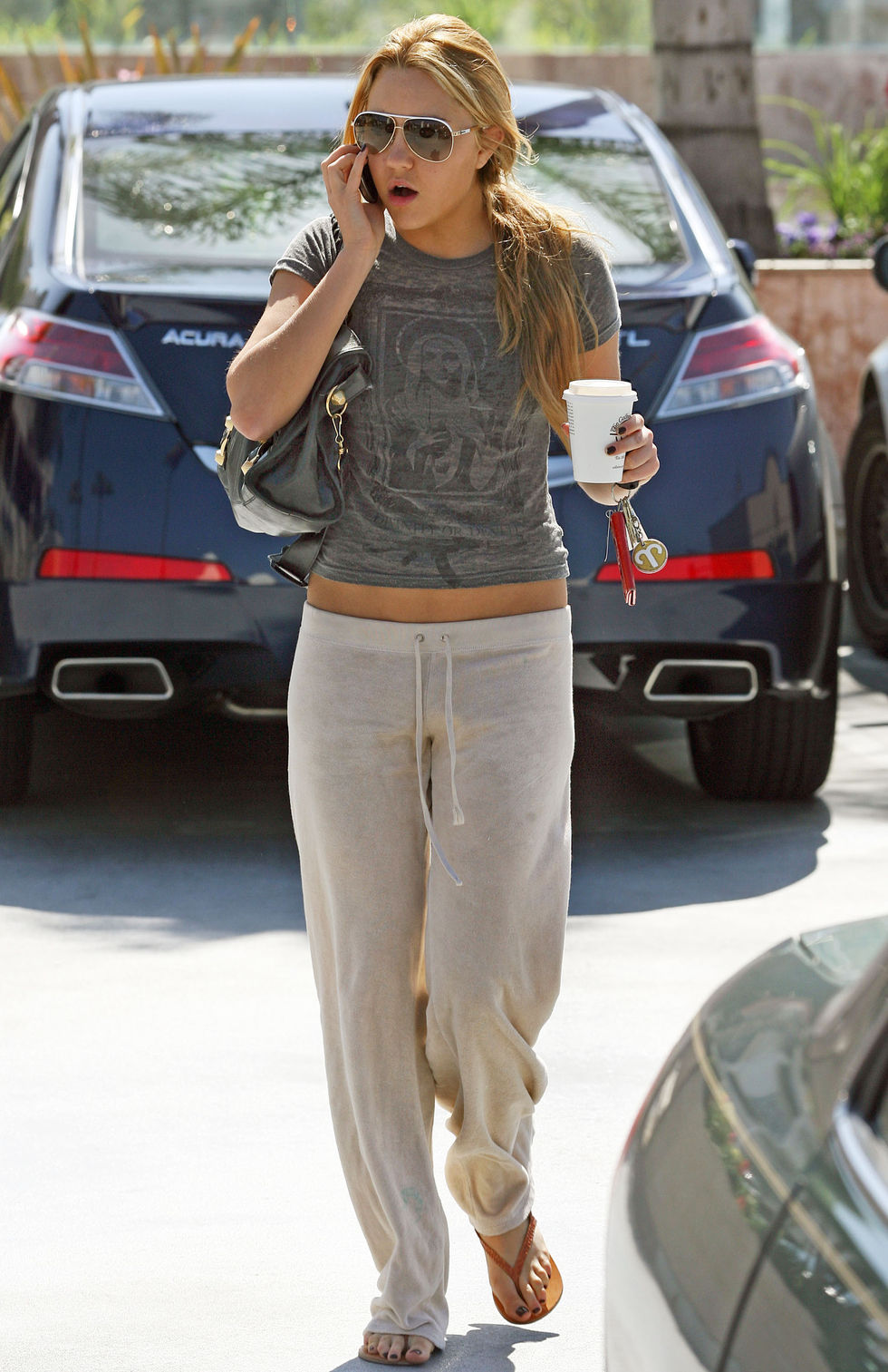 amanda-bynes-candids-in-studio-city-01
