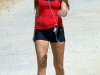 amanda-bynes-hiking-at-runyon-canyon-park-mq-01
