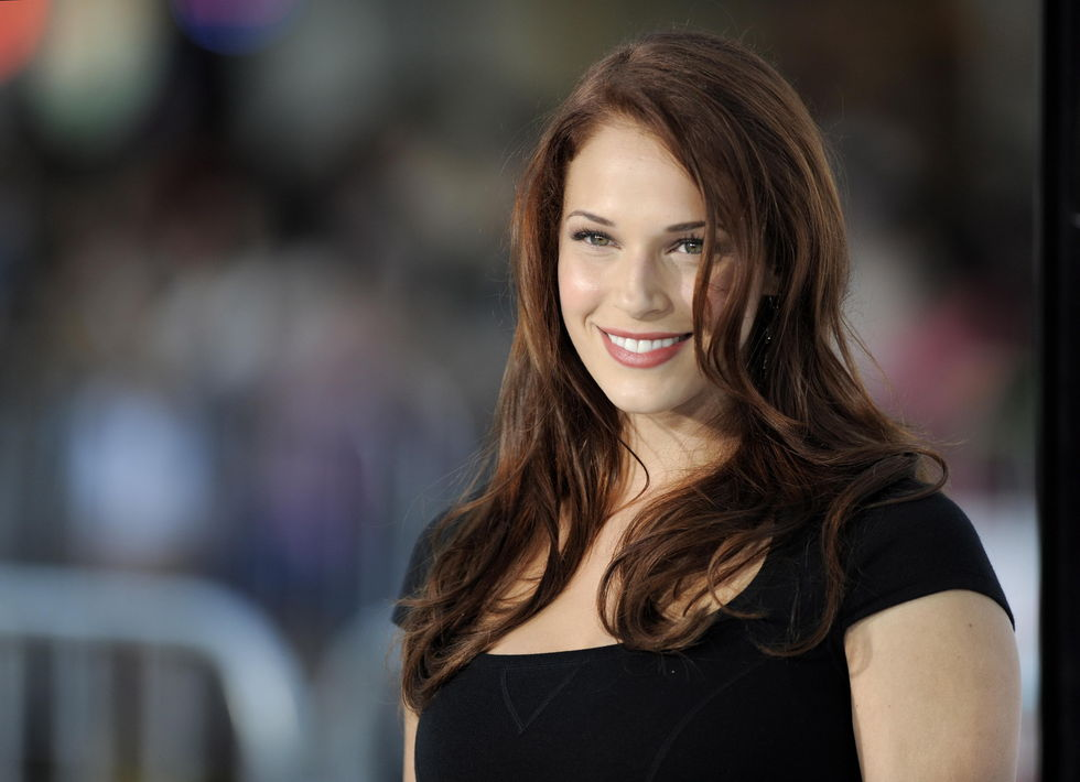 amanda-righetti-whiteout-premiere-in-los-angeles-01