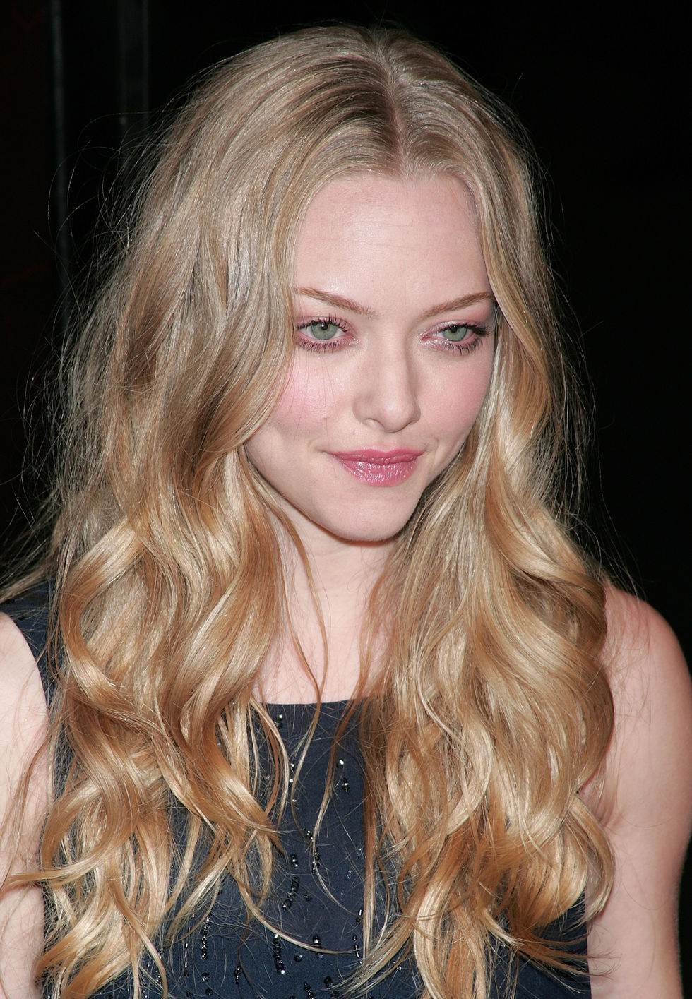 amanda-seyfried-hbos-big-love-3rd-season-premiere-in-hollywood-01