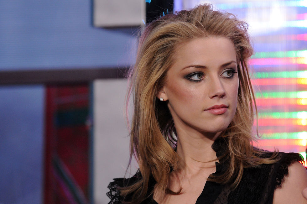 amber-heard-at-mtvs-total-request-live-01