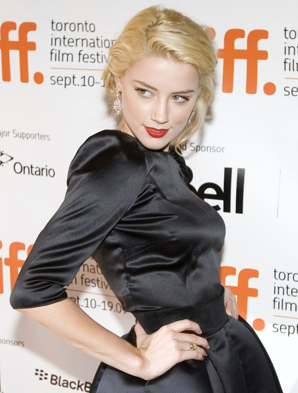 amber-heard-the-joneses-screening-in-toronto-01
