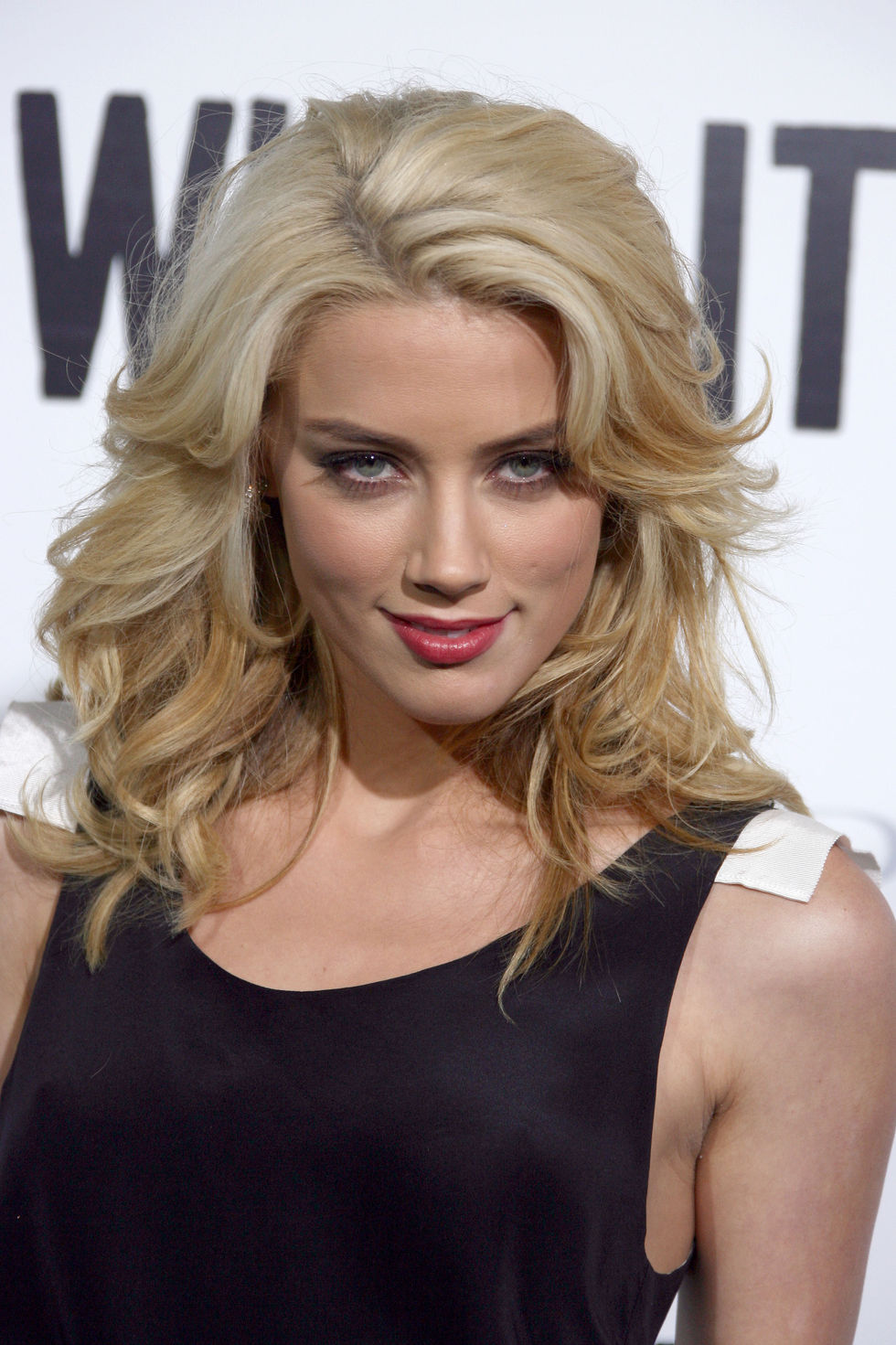 amber-heard-whip-it-screening-in-los-angeles-01