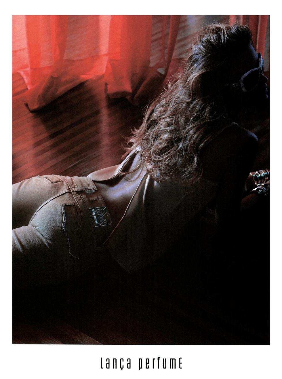ana-beatriz-barros-lanca-perfume-ads-01