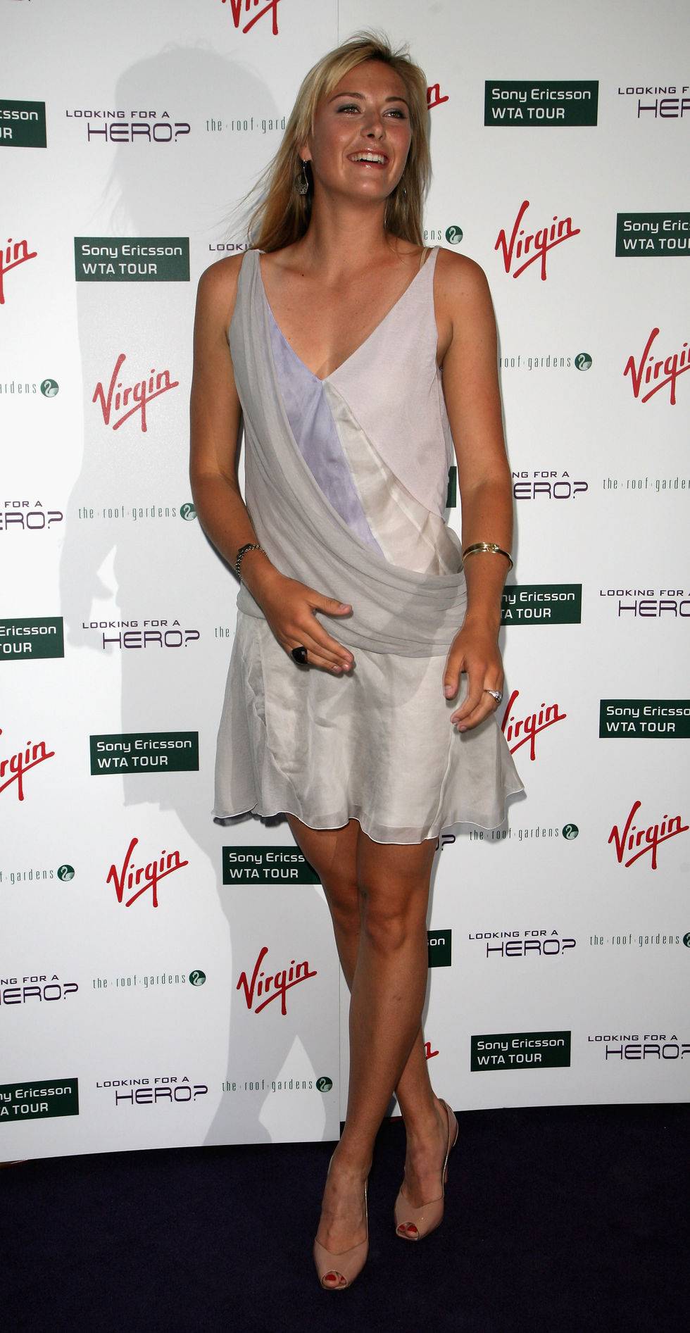 maria-sharapova-sony-ericsson-wta-tour-pre-wimbledon-player-party-01