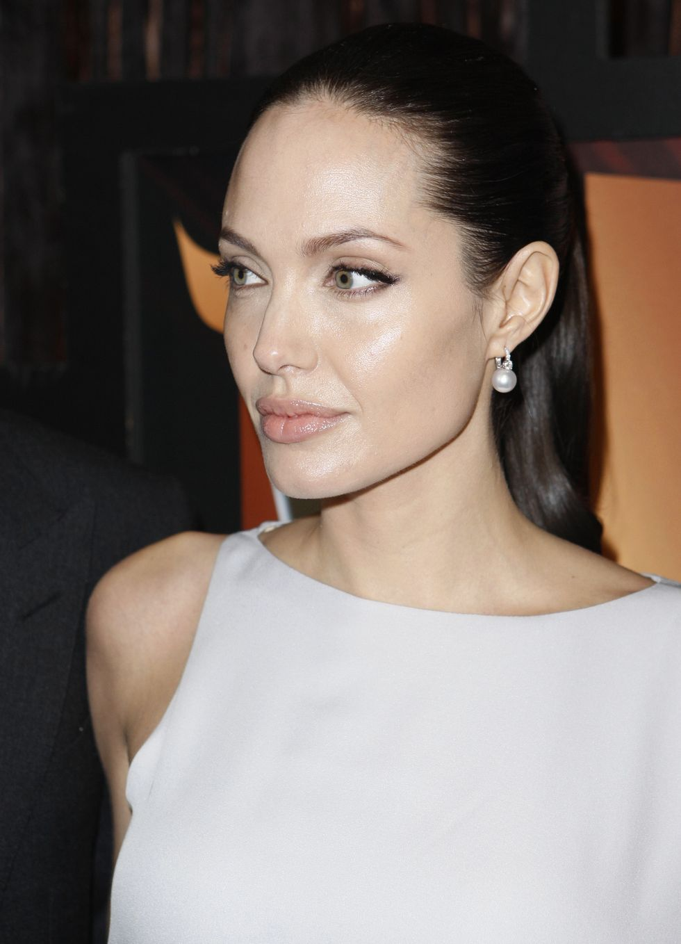 angelina-jolie-14th-annual-critics-choice-awards-in-santa-monica-01