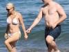 anna-faris-bikini-candids-at-the-beach-in-hawaii-06