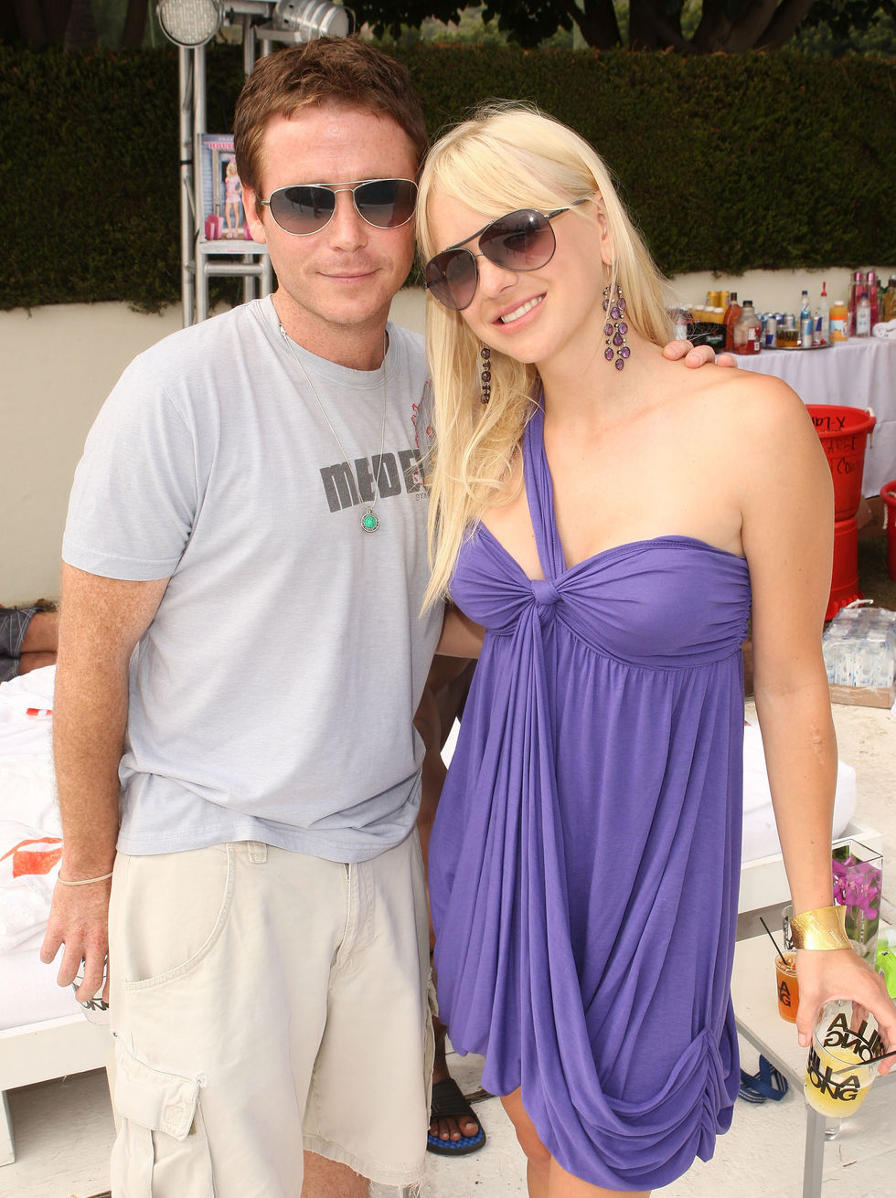 anna-faris-the-house-bunny-party-at-the-project-beach-house-in-malibu-01