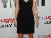 anna-faris-the-ugly-truth-premiere-in-hollywood-02