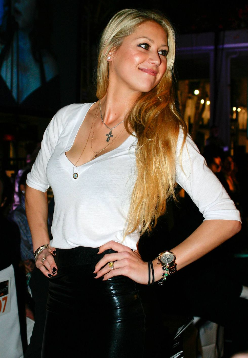 anna-kournikova-destination-fashion-2009-in-miami-01
