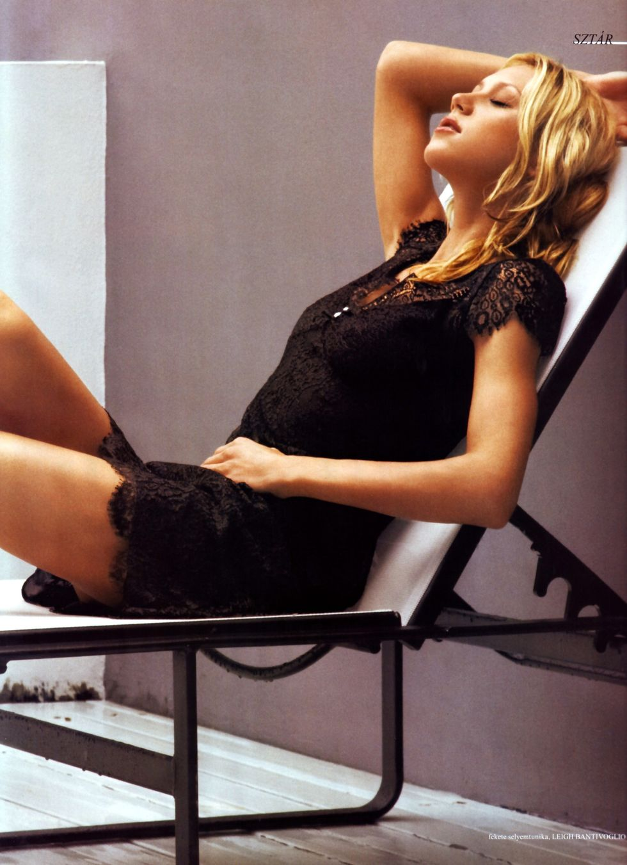 anna-kournikova-sport-style-magazine-autumn-2008-01