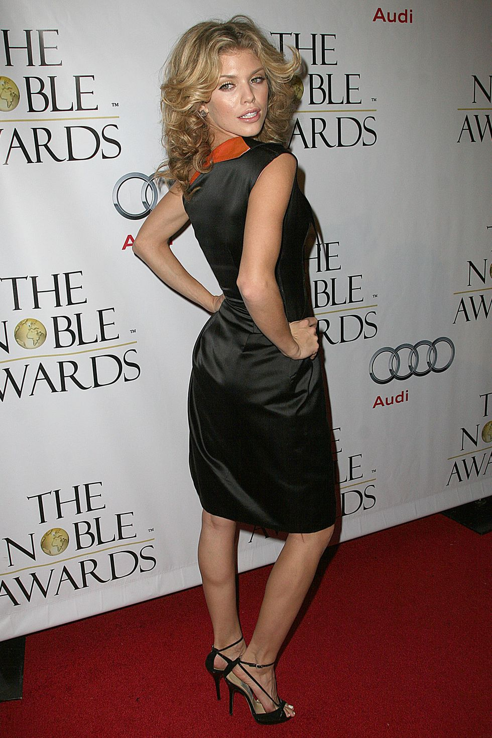 annalynne-mccord-1st-annual-noble-humanitarian-awards-01