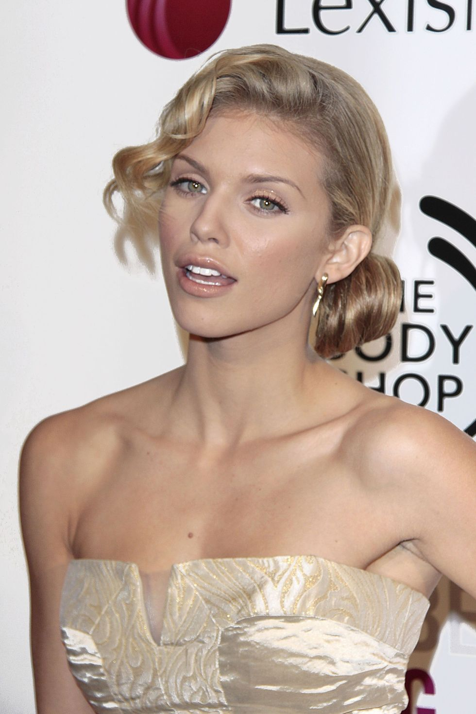 annalynne-mccord-2nd-annual-an-evening-of-hopes-and-dreams-event-01
