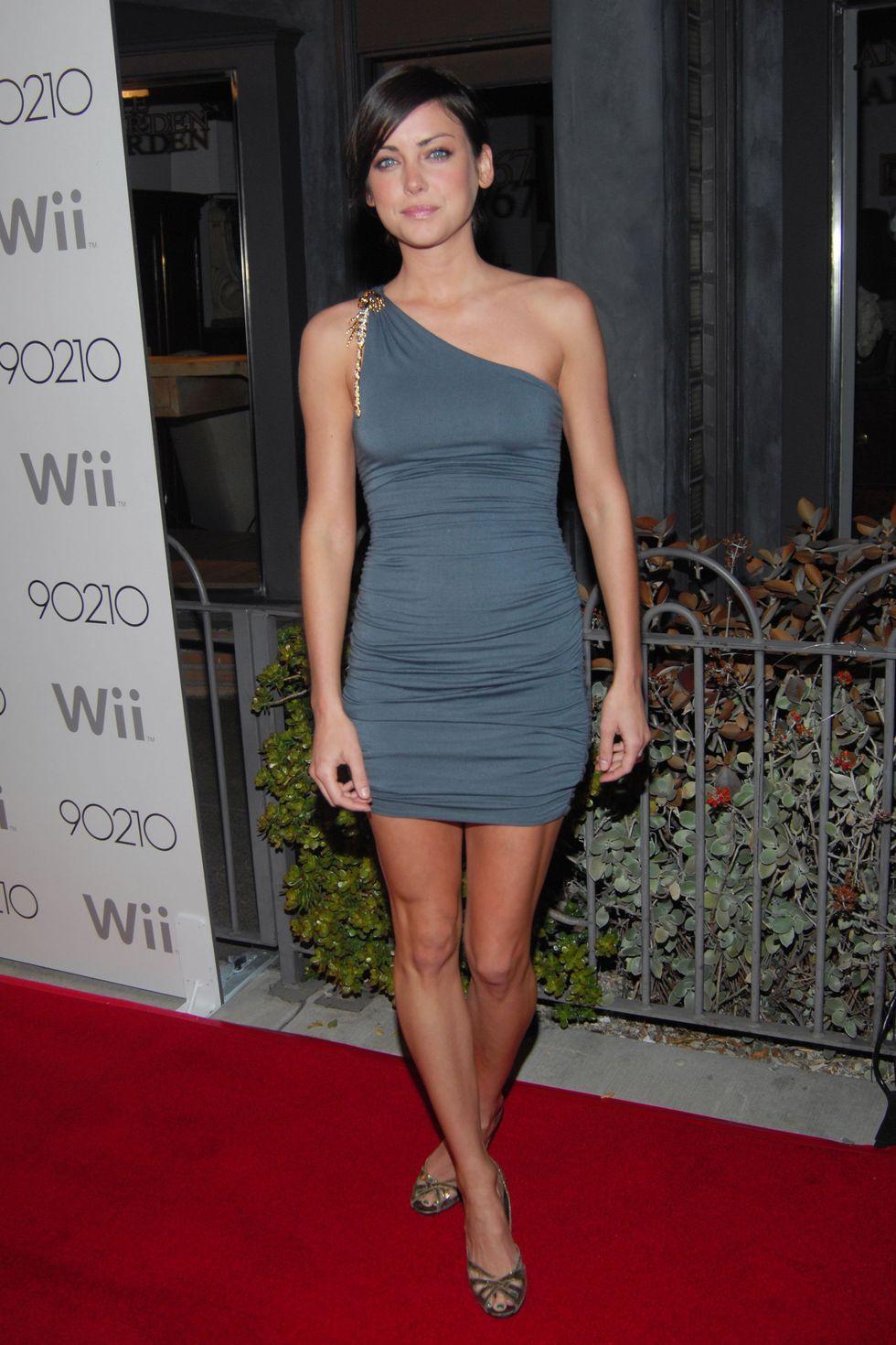 annalynne-mccord-90210-season-wrap-party-01