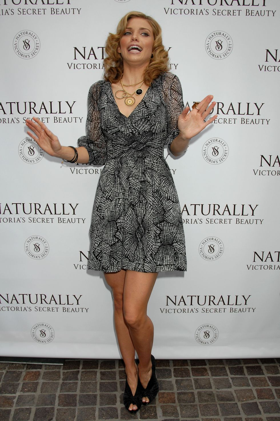 annalynne-mccord-naturally-victorias-secret-bath-and-body-launch-01