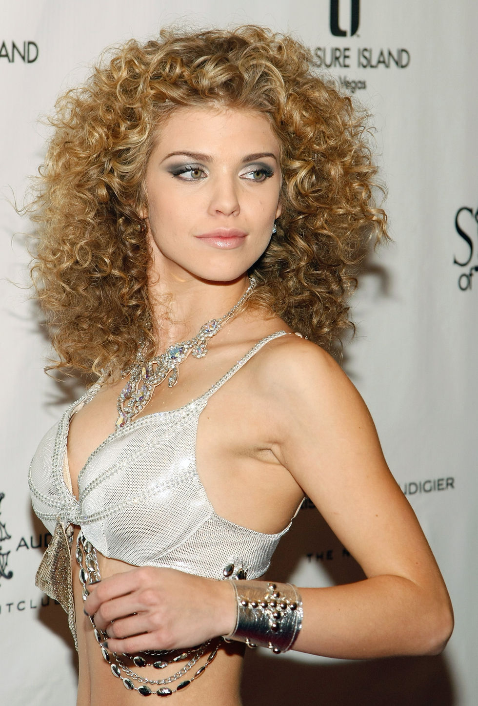 annalynne-mccord-sirens-of-ti-anniversary-show-and-after-party-in-las-vegas-01