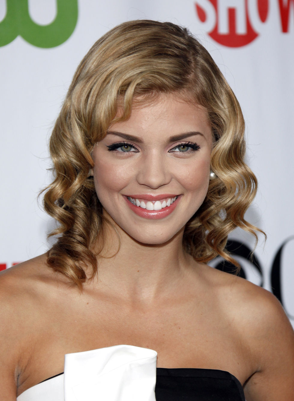annalynne-mccord-tca-party-in-pasadena-01