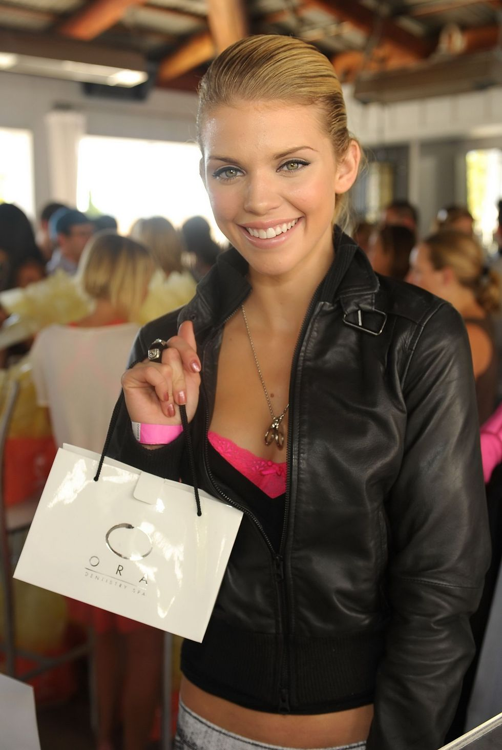 annalynne-mccord-the-suite-life-skybar-emmy-suites-01