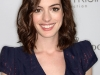 anne-hathaway-15th-annual-women-in-hollywood-tribute-in-beverly-hills-05