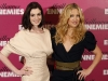 anne-hathaway-and-kate-hudson-bride-wars-photocall-in-paris-14
