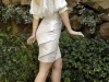 anne-hathaway-and-kate-hudson-bride-wars-photocall-in-rome-03