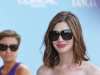 anne-hathaway-arrives-at-the-excelsior-hotel-in-venice-15