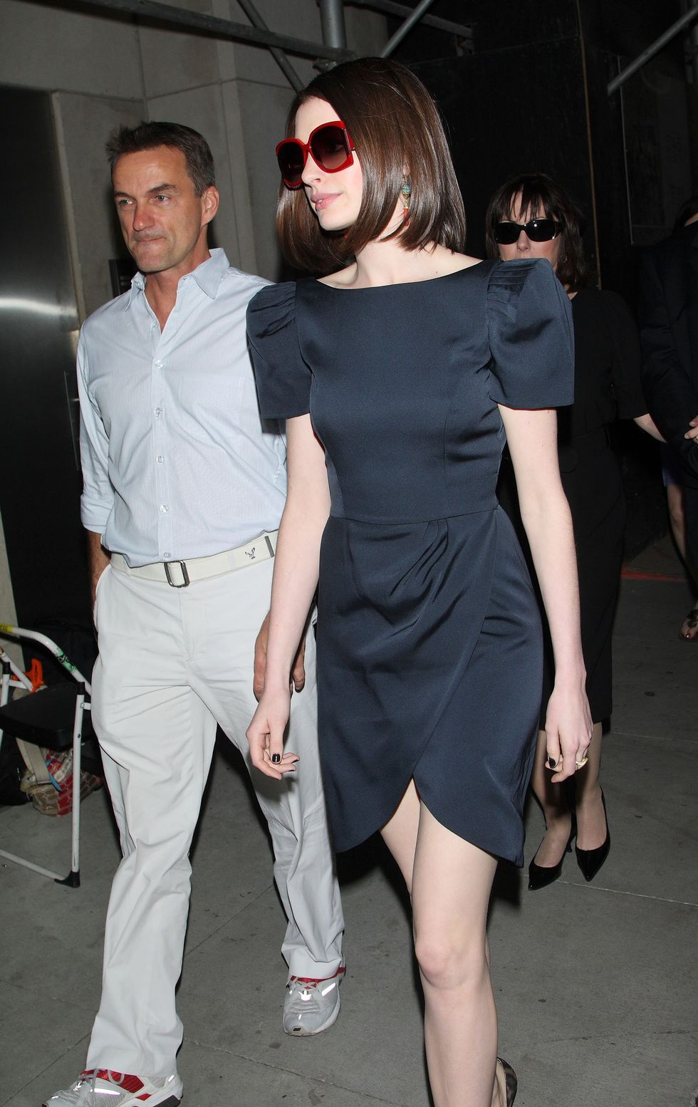 anne-hathaway-at-a-secret-screening-of-get-smart-in-new-york-01